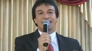 17/17 – Dios tambien espera – Serie: CRISTO EN EL SANTUARIO – Arq. Alberto Lascarro