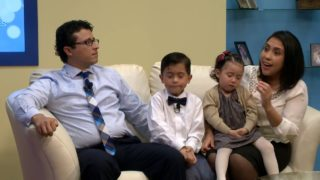 Familia con Niños Pequeños   Más en familia   UMtv